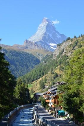 Matterhorn'un Zermatt'tan ilk görüldüğü yer. Kelimenin tam anlamıyla; Muhteşem!