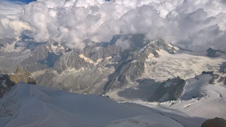 Bulutlu zirveler-İtalya tarafı