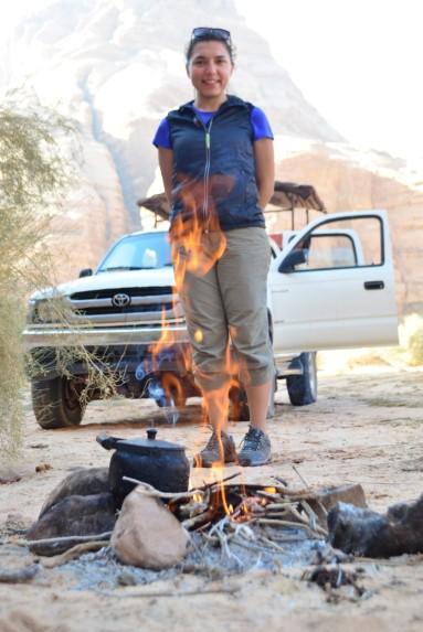 Birgül ateş yakma işini sevdi:)