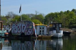 Christiania kıyısındaki tekne evler