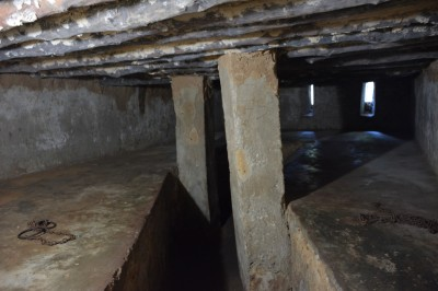 Bu ufacık mekanda 100'e yakın köle bir arada bulunuyormuş. Tuvalet dahil herşeyi burada yapıyorlarmış.