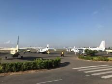 Darüsselam'daki terminalde bekleyen uçaklar