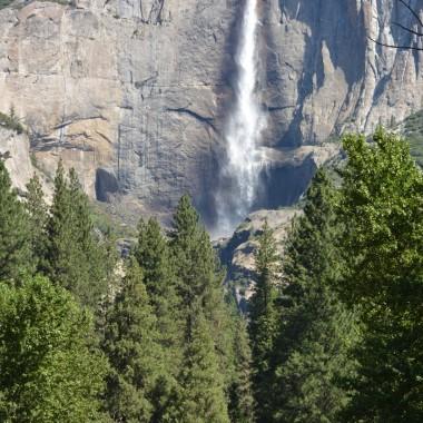 Uzaktan Yosemite Şelalesi